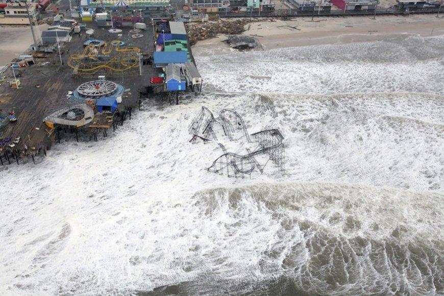 Sandy praūžė visa rytine pakrante.