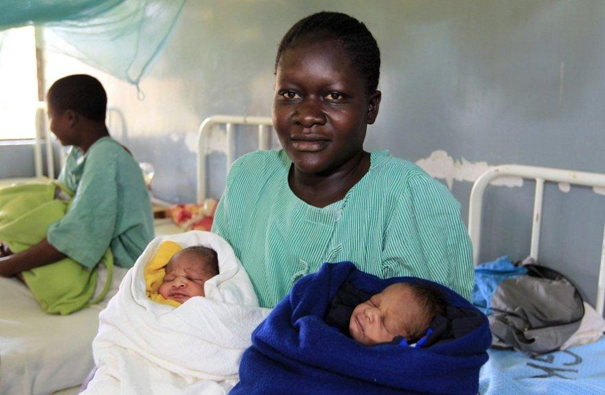Millicent Owuor savo sūnelius pavadino Baracku ir Mittu