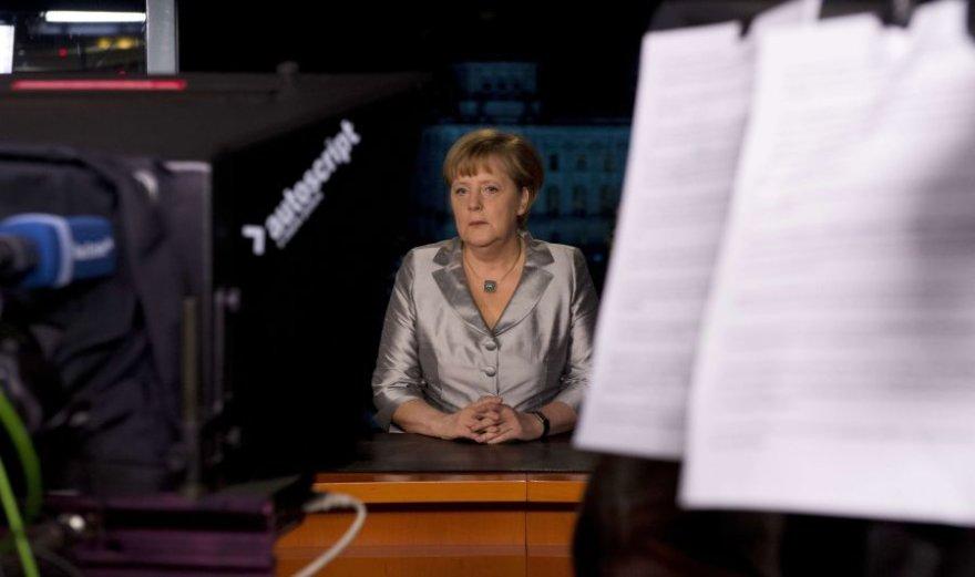 Televizija sekmadienį transliavo Angelos Merkel naujametinę kalbą.