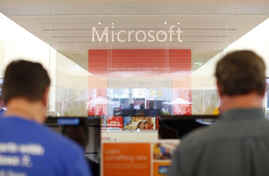 """""""Microsoft"""" parduotuvė"""