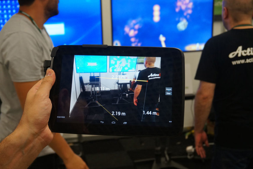 """""""PrimeSense"""" sensorius gali sekti žmogaus judesius, matuoti atstumus tarp objektų, kurti jų trimačius atvaizdus ir t.t."""
