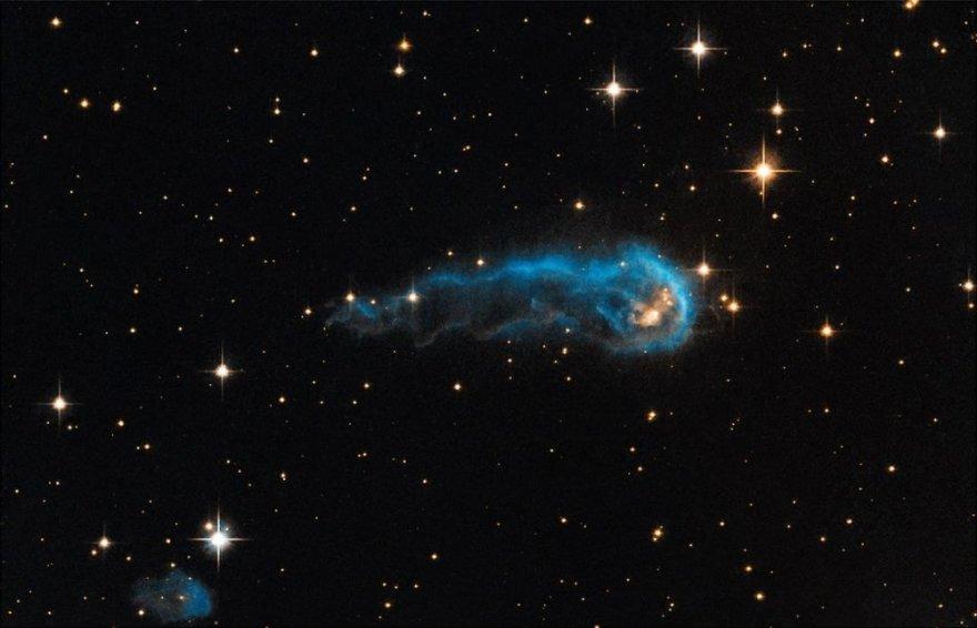 """""""Kosminiu mikšru"""" pavadinto dujų debesies ilgis siekia šviesmetį"""