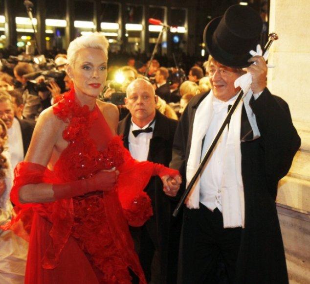 Vienos operos pokylio organizatorių Richardą Lugnerį lydėjo aktorė Brigitte Nielsen.