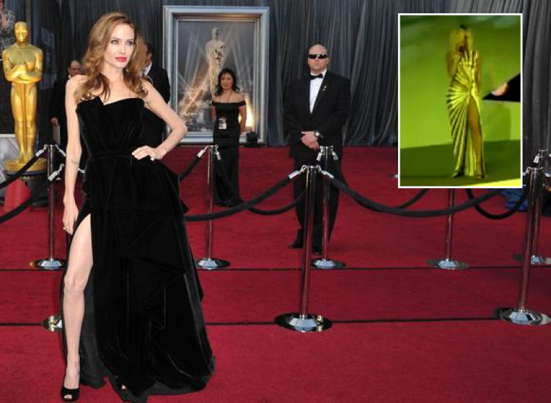 Garsųjį Angelinos Jolie skeltuką pastebėjo ir Rihanna (dešinėje), kuri nuogą koją demonstravo per koncertą.