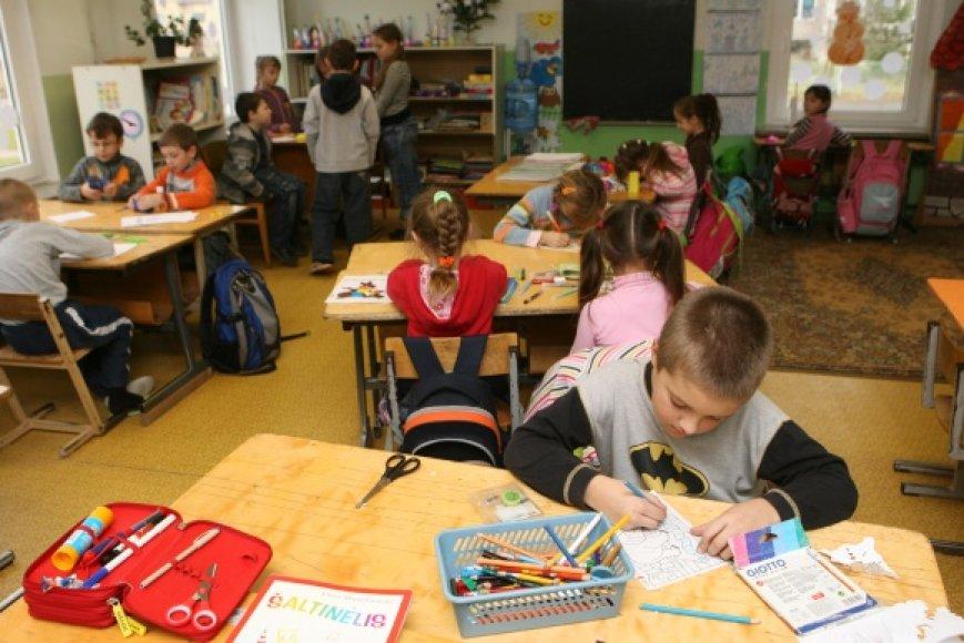 Būsimi pedagogikos studentai laikydami testą turės pagrįsti savo studijų pasirinkimą, paaiškinti, ar yra susidūrę su darbu mokykloje.