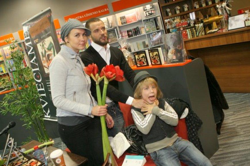 Rimas Valeikis su žmona Agne Gintalaite knygos pristatyme sulaukė žinomų veidų