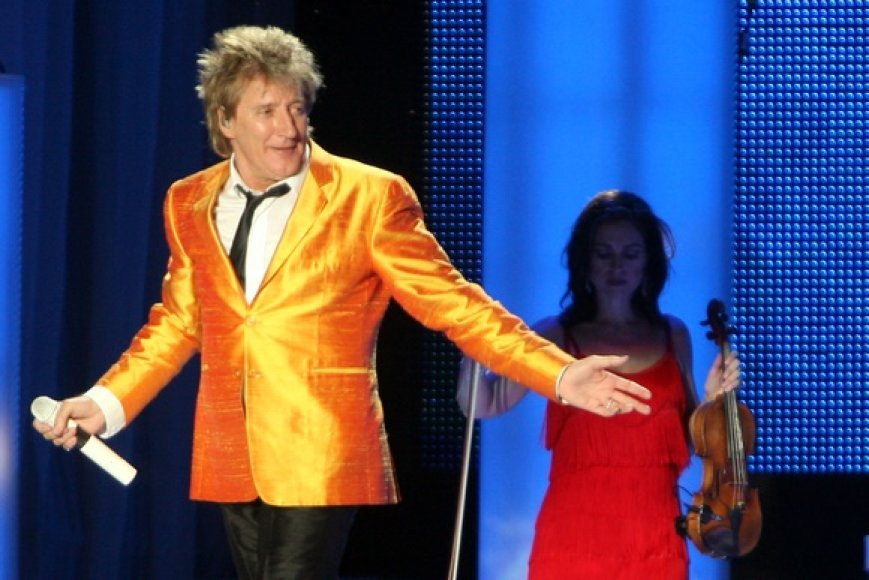 Legendinės žvaigždės Rodo Stewarto koncerto akimirka