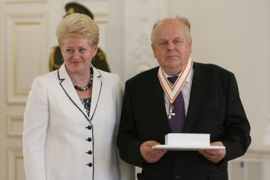 Apdovanojamas Stanislavas Šuškevičius