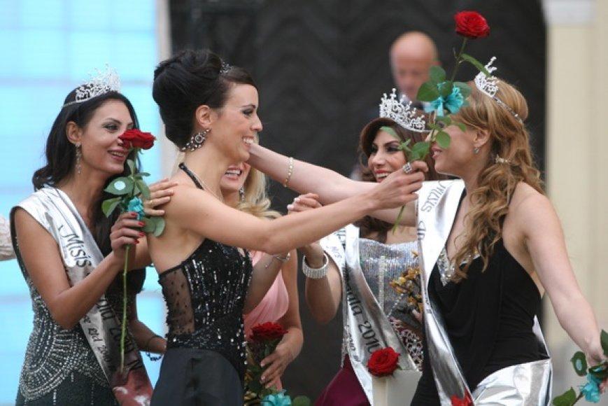 """Gražiausios pasaulio moterys """"Misis Visata"""" finale"""