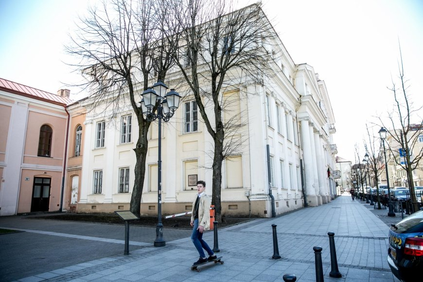 Juliaus Kalinsko / 15min nuotr./Vilniuje Didžiosios g. 36 esantis pastatas