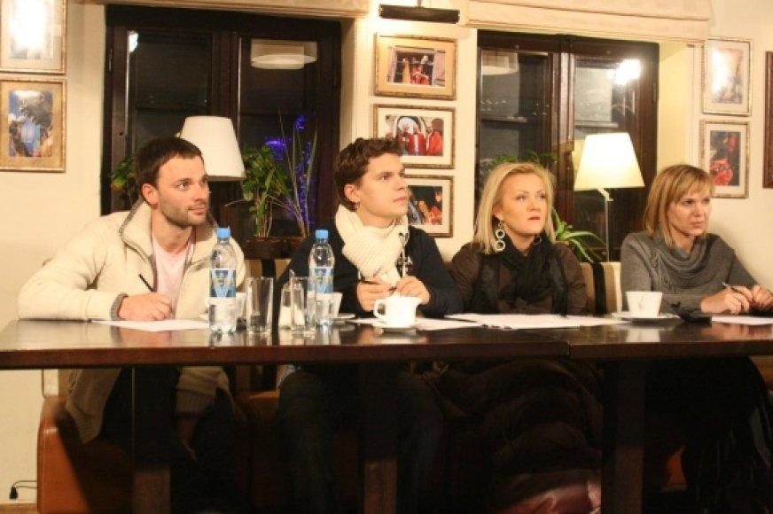 Deivis (antras iš kairės)