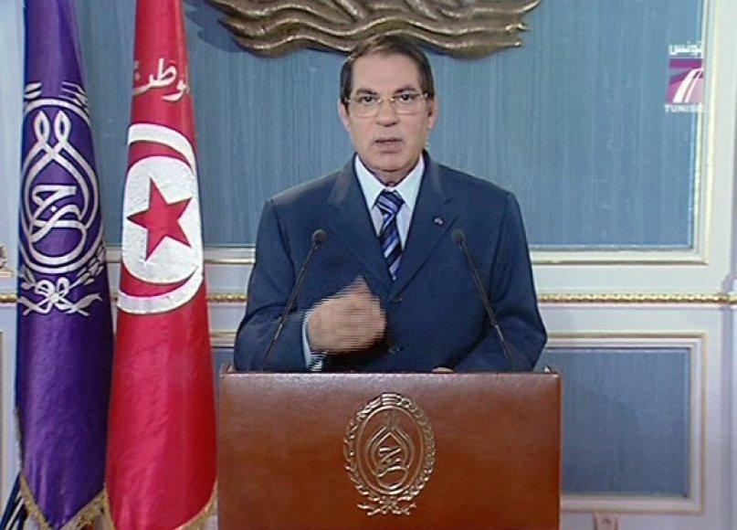 Nuverstas Tuniso lyderis Zine al-Abidine Ben Ali