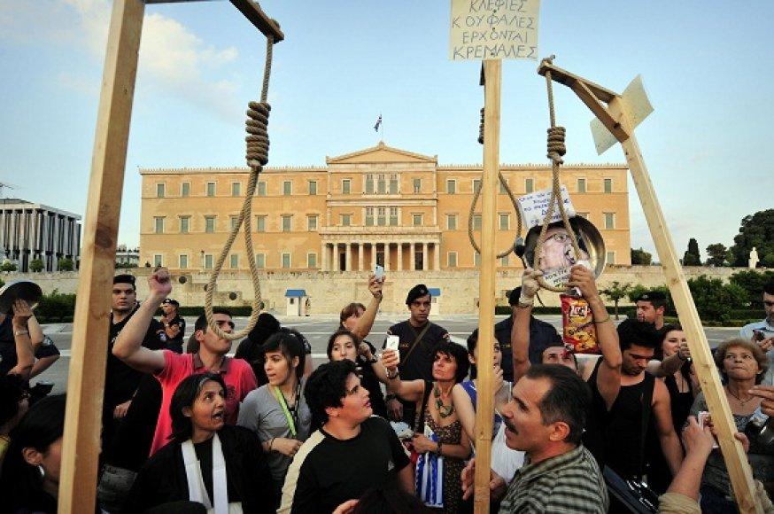 Protestai priešais Graikijos parlamentą