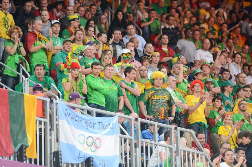 Lietuvos krepšinio rinktinės sirgaliai Londone