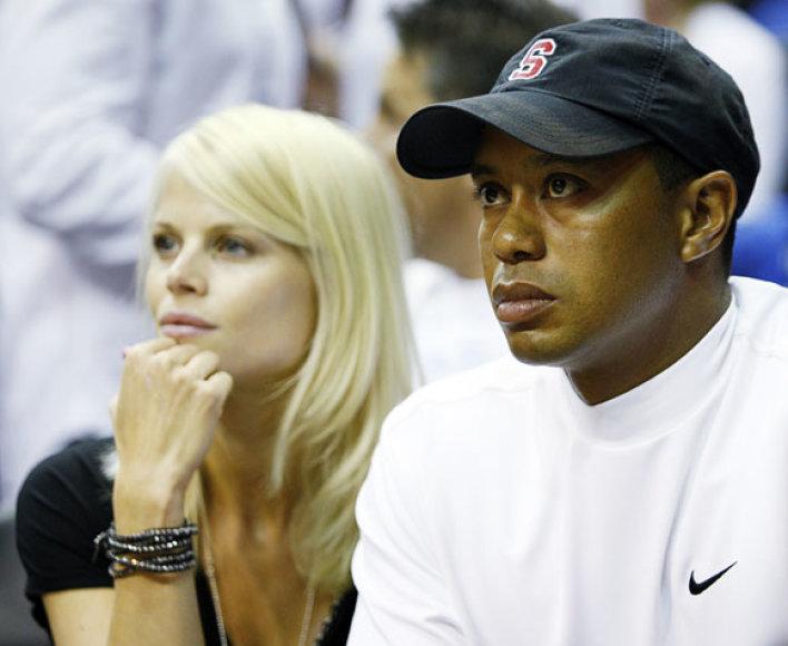Tigeris Woodsas su žmona