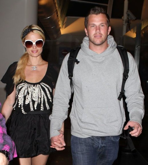 Paris Hilton su Dougu Reinhardtu