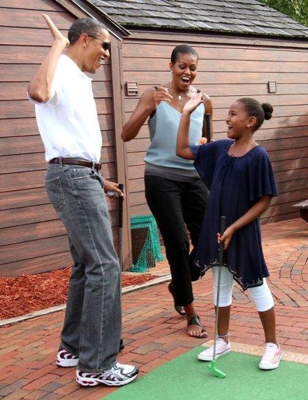 Barackas, Michele ir Sascha Obamos