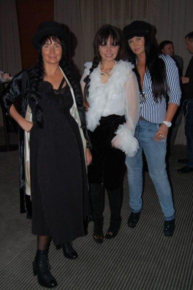 Ella Tatarinova su naujomis savo klientėmis