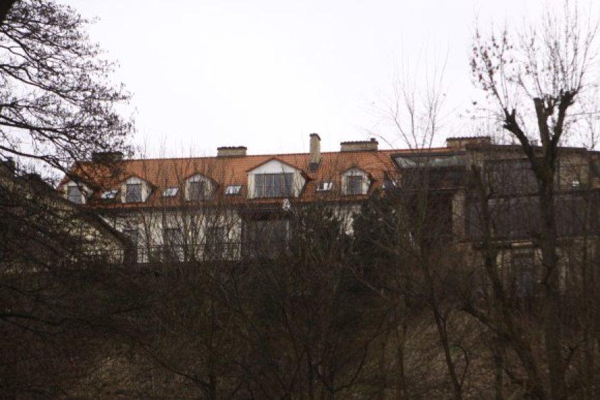 Per ekskursiją smalsuoliai į Zuokų namų langus galės pasižvalgyti tik iš tolo.