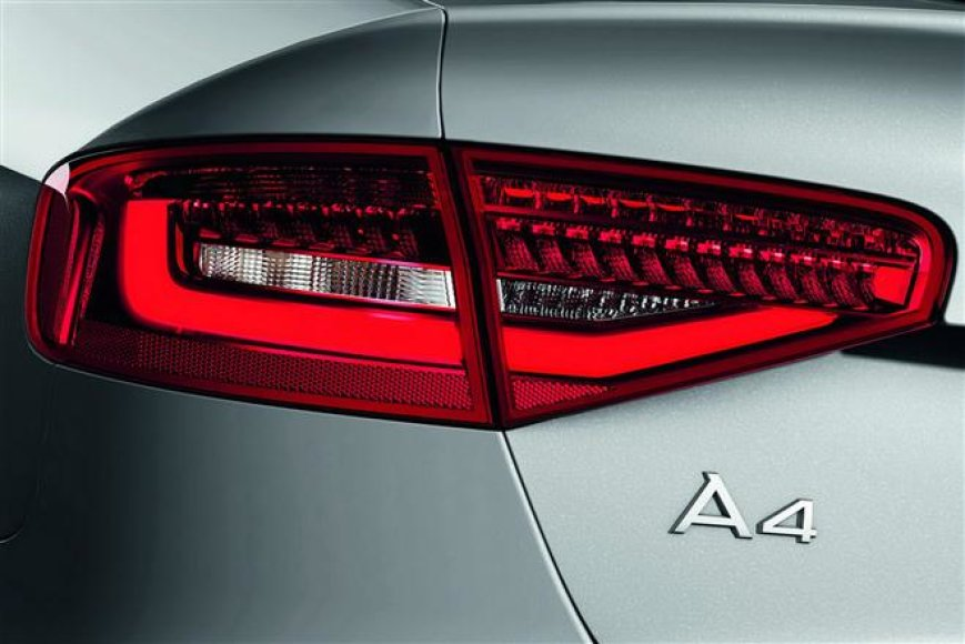 """Audi A4"" LED žibintai"
