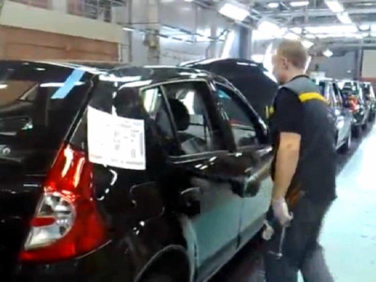 """""""Renault"""" darbuotojas Rusijoje"""