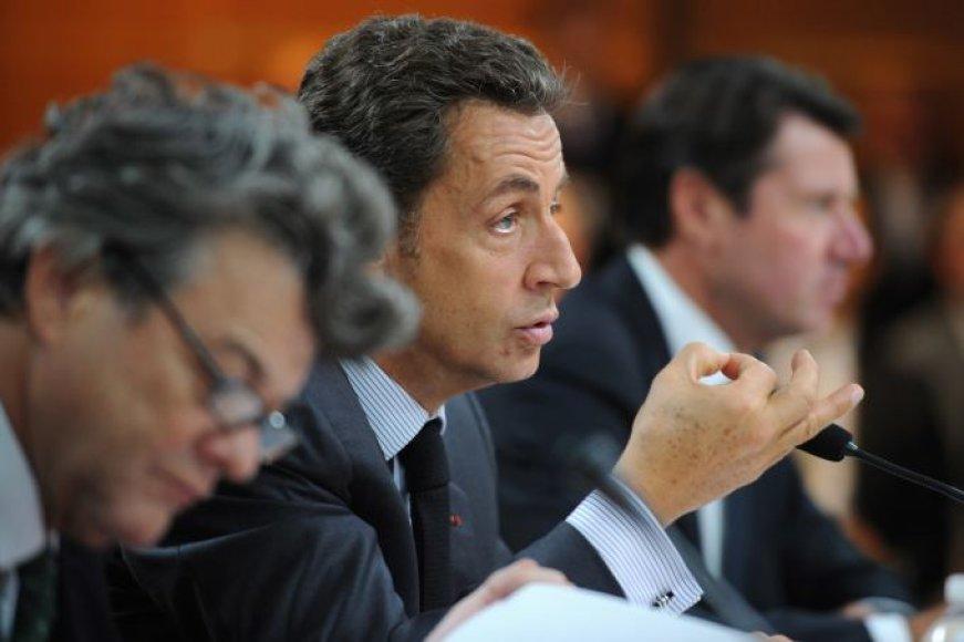Nicolas Sarkozy apsilankė Paryžiaus automobilių parodoje