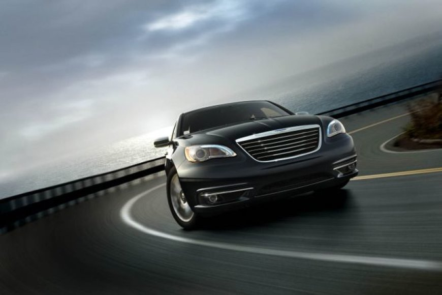 "Premjera! ""Chrysler 200C"""