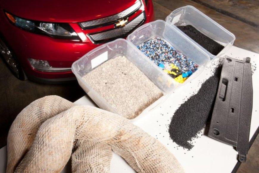 """""""Chevrolet Volt"""" gamyboje bus naudojama Meksikos įlankoje išsiliejusi nafta"""