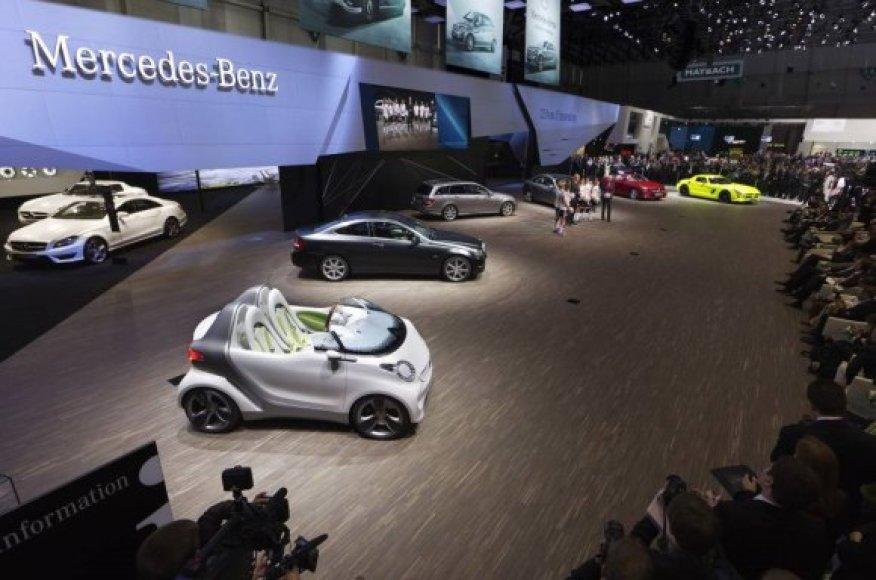 Mercedes-Benz stendas Ženevos automobilių parodoje