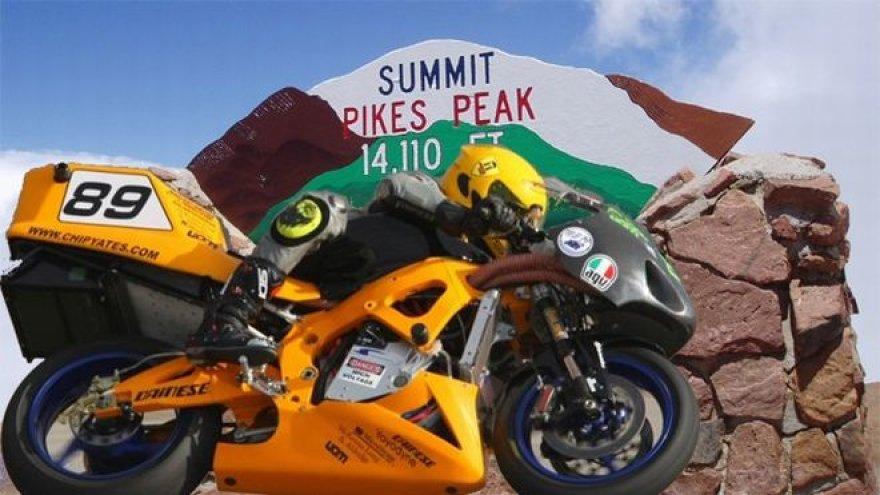 """Praeitų metų """"Swigz Pro Racing"""" motociklas """"Pikes Peak Hillclimb"""" lenktynėms"""