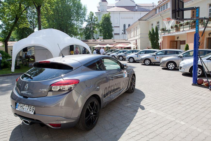 """""""Renault"""" automobiliai """"Eurobasket 2011"""" organizatoriams ir dalyviams"""