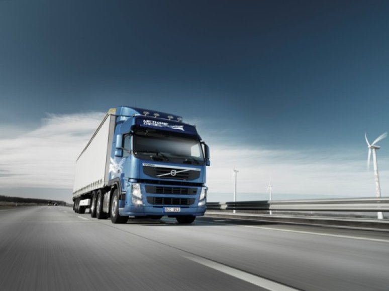 """""""Volvo FM MethaneDiesel"""" – pirmasis dujomis varomas tolimųjų reisų vilkikas"""