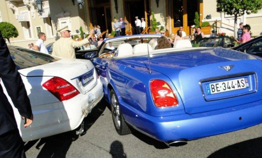 Keturių prabangių automobilių avarija Monake