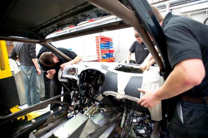 """Nissan Juke-R"" istorija: sėdynė"