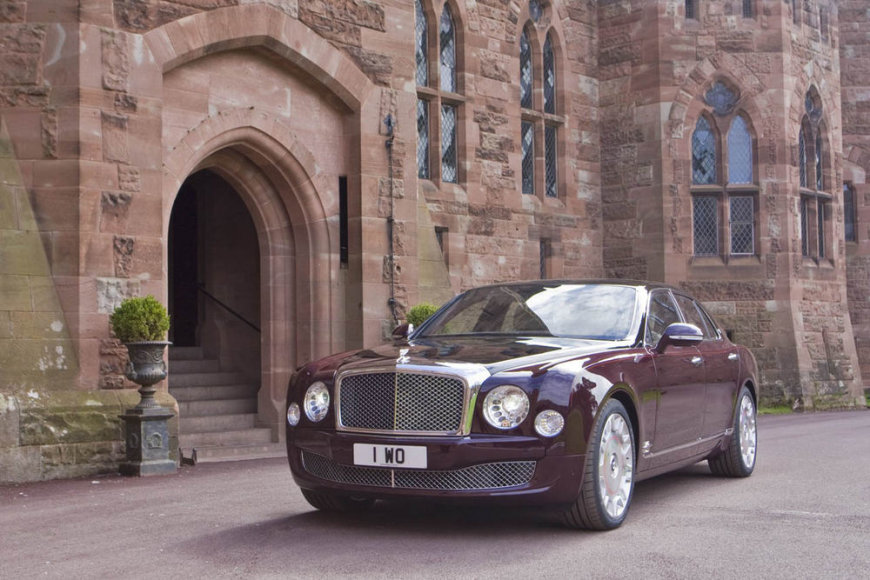 """Bentley Mulsanne"" deimantiniam Britanijos karalienės jubiliejui pažymėti"