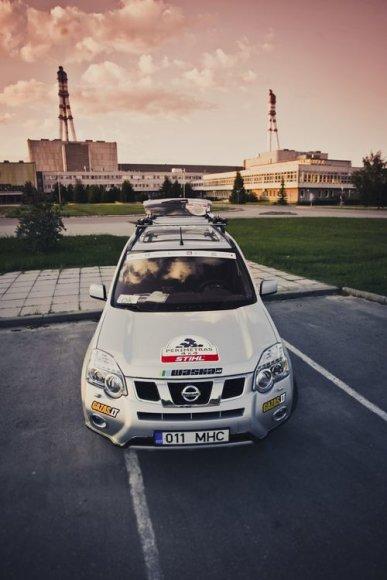 """""""Nissan X-Trail"""" prie Ignalinos atominės elektrinės"""