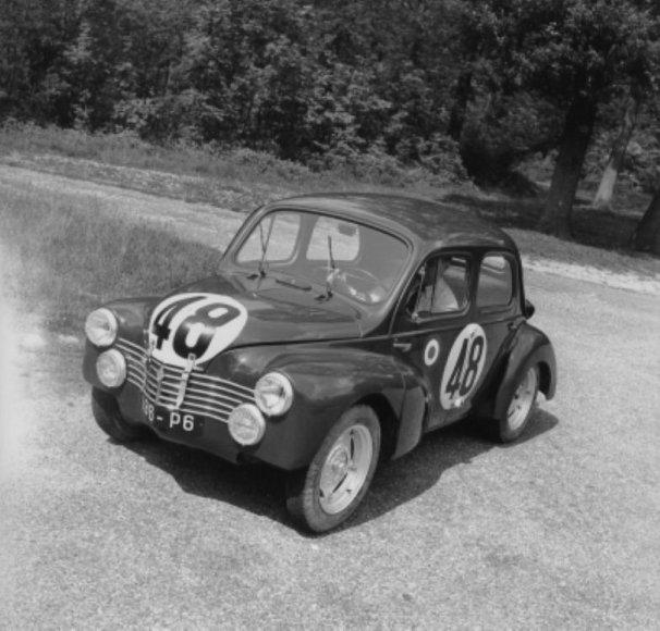 """""""Renault 4 CV"""" 1951 m. Le Mano lenktynėse"""