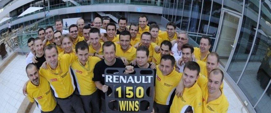 """""""Renault"""" variklius kurianti komanda"""