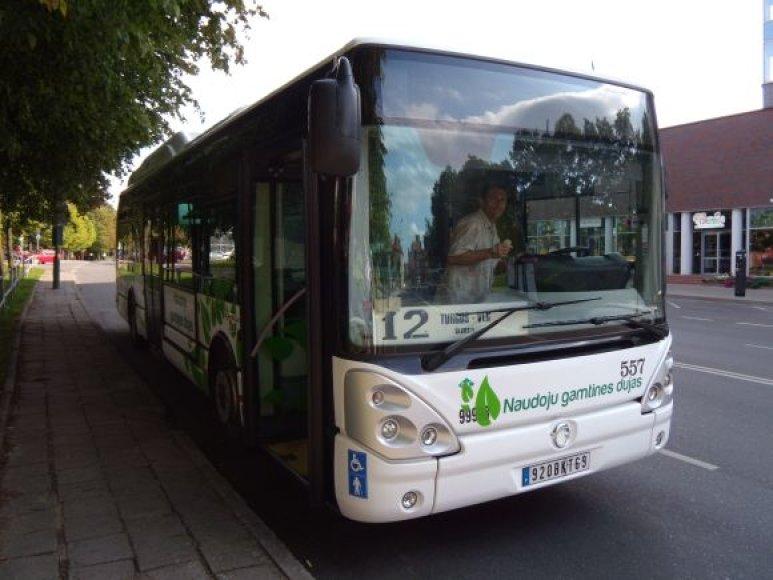 """Testavimui skirtas autobusas """"Irisbus Citeli"""" Klaipėdoje važinės savaitę."""