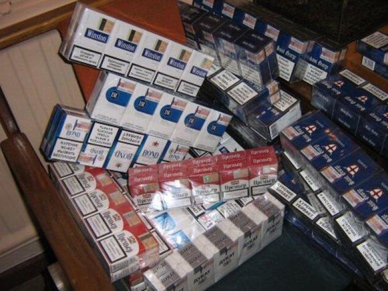 Klaipėdiečio bute aptiki 253 pakeliai įvairių cigarečių.