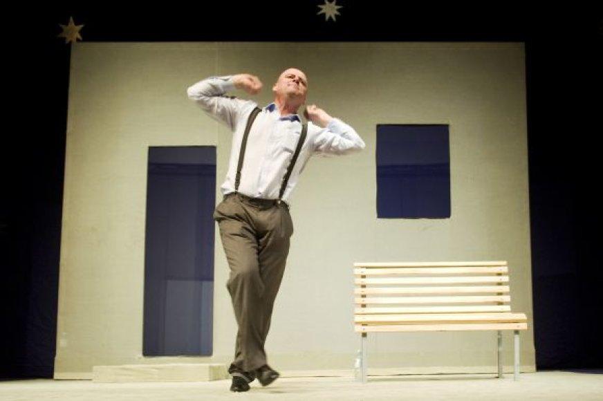 Monospektaklyje Klaipėdoje vaidins aktorius J.Gaižauskas, pasistengsiantis, kad žiūrovai ir juoktųsi iki ašarų, ir susimąstytų apie savo gyvenimą.