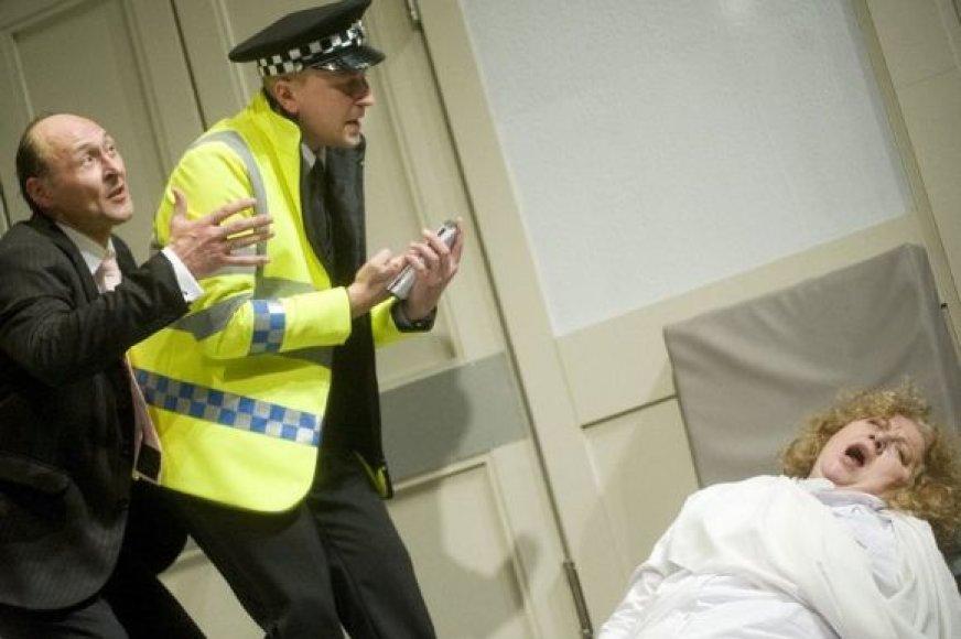 Spektaklio veiksmas vykstas vienoje iš Anglijos ligoninių, kur prieš Kalėdas užverda tikras chaosas.
