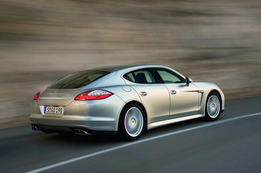 """Porsche Panamera"" – ""Playboy"" metų automobilis"