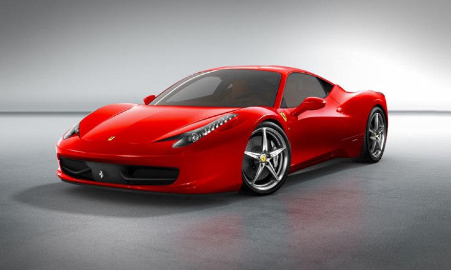"""Lenkijoje – pirmasis """"Ferrari"""" salonas"""