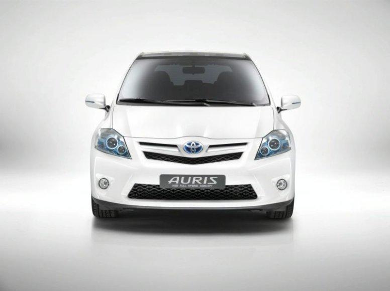 """""""Toyota"""" Europoje atšaukia 1,8 mln. automobilių"""