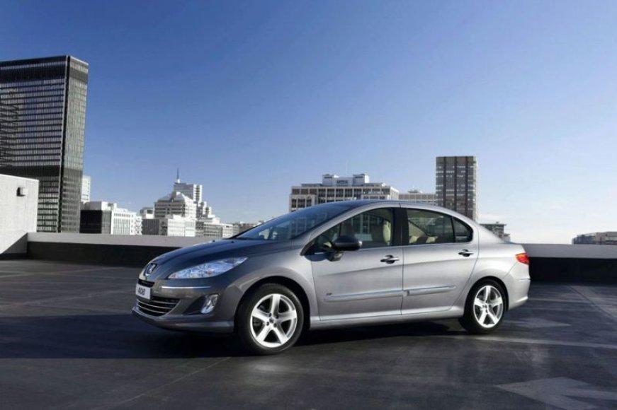 """""""Peugeot 408"""" pristatytas Kinijai"""