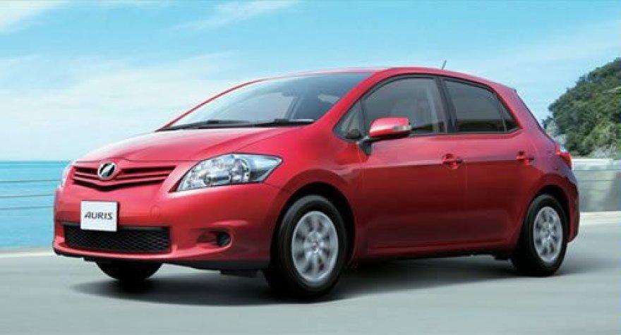 """""""Toyota Auris"""" - šviežesnis ir patrauklesnis"""