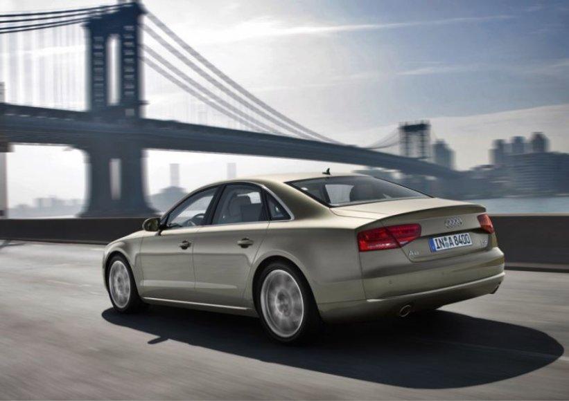 """Naujasis """"Audi A8"""" – variklių gama ir kainos"""