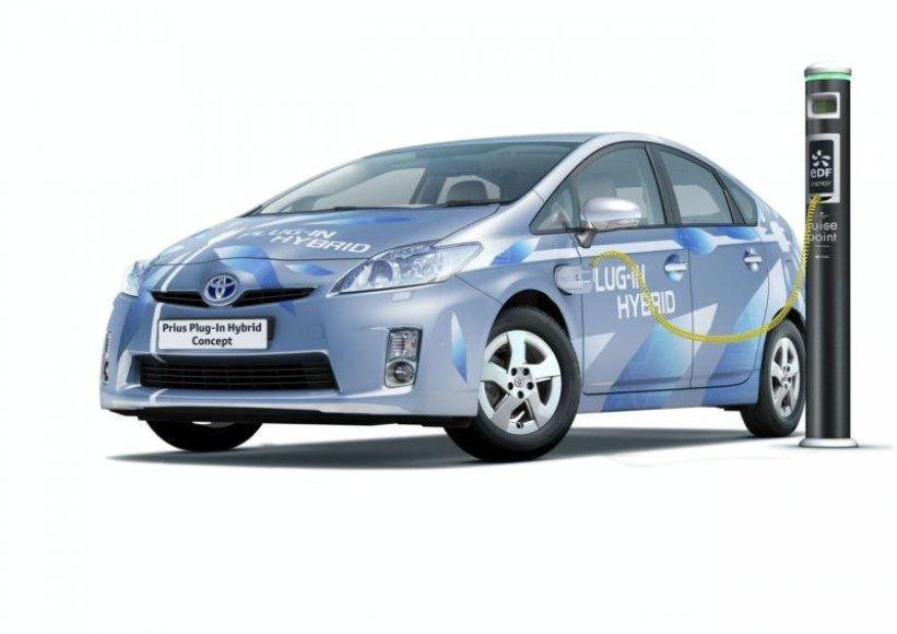 """""""Toyota Prius Plug-in Hybrid"""" koncepcijai prireiks elektros lizdo"""