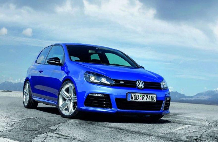 """""""Volkswagen Golf R"""" – gatvių tornadas"""